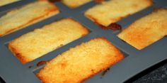 Coconut Financier - Recipes - Discover the Financial recipe with coconut on cuisineactuelle. Desserts With Biscuits, Mini Desserts, Cookie Desserts, Chocolate Chip Cookies, Chocolate Desserts, Cookie Recipes From Scratch, Easy Cookie Recipes, Financier Recipe, Healthy No Bake Cookies