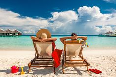 Couples love Maldives and we know exactly why. Read our ultimate guide and find the best tips for a Maldives Honeymoon. Saving For Retirement, Early Retirement, Retirement Planning, Retirement Savings, Retirement Cards, Savings Plan, Chile, Walk In Tubs, Maldives Honeymoon