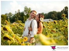 Engagements in a sunflower field. #weddings #engagements #photography