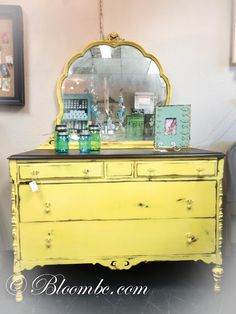 Cheerful English Yellow Chalk Paint® decorative paint by Annie Sloan presented… Chalk Paint Dresser, Chalk Paint Furniture, Cool Furniture, Martin Furniture, Painted Dressers, Vintage Furniture, Refurbished Furniture, Repurposed Furniture, Furniture Makeover