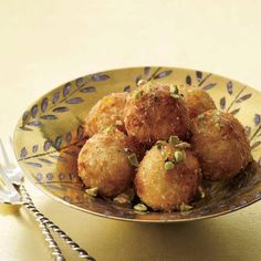 Crispy on the outside and creamy on the inside, croquettes are ultra-satisfying comfort food. From a savory leek and mushroom version to sweet, honey-coated goat cheese balls, here are seven excellent croquette recipes. Fried Goat Cheese, Cheese Fries, Tapas, Fingers Food, Cocktail Party Food, Incredible Recipes, Amazing, Honey Recipes, Thanksgiving Appetizers