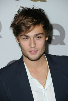 Douglas Booth (July 9, 1992)  LOL: Laughing Out Loud