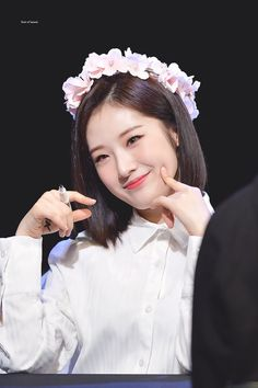 Haseul pics ♡(@haseulpic)さん | Twitter Kpop Girl Groups, Korean Girl Groups, Kpop Girls, Sooyoung, Extended Play, Let Me In, Eye Circles, Olivia Hye, Nest