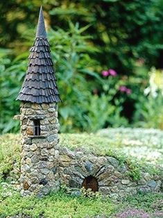 Miniature plantscapes known as fairy gardens enchant Midwest gardeners. Here's how to make your own. #GardenDesign