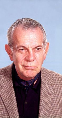 Pictures & Photos of Raymond Massey - IMDb Hollywood Actor, Golden Age Of Hollywood, Old Hollywood, Classic Hollywood, Actors Male, Actors & Actresses, Raymond Massey, Balliol College, Old Movie Stars