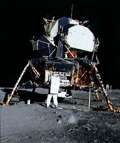 """Nasa Lunar Module """"Eagle"""" on the Moon. Aldrin is opening the stowage area and preparing to unload the scientific experiments package. Beyond the right leg is the solar wind experiment, and beyond that the lunar surface TV camera. (NASA photo ID Apollo Moon Missions, Apollo 11 Moon Landing, Apollo 11 Mission, Nasa Missions, Apollo Space Program, Nasa Space Program, Cosmos, Apolo Xi, Nasa Photos"""