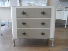 Pretty chest of drawers painted in Ivory and Linen with  Autentico paints.