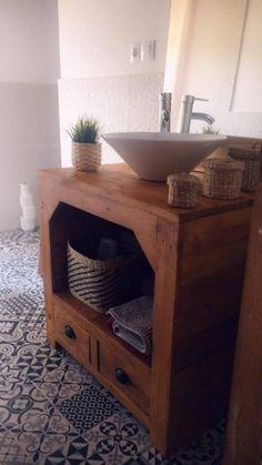 Un mueble de lavabo con palets espectacular – I Love Palets Kitchen Cart, Vanity, Love, Bathroom, Table, Furniture, Home Decor, Mini, Cool Inventions