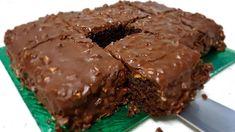 Το Σοκολατένιο Κέικ με Φιστίκια, που γίνεται σε 6 λεπτά ! Για τις απρόσμενες επισκέψεις! Greek Recipes, Diet Recipes, Baking Recipes, Romanian Food, Microwave Recipes, Healthy Baking, Sweet Tooth, Sweet Treats, Deserts
