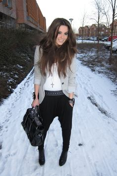 Gray Blazer H&m Boots, Black Harem Pants, Zara Blazer, Black Blazers, Fall Looks, Wearing Black, Clothing Items, Casual Looks, Nice Dresses