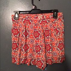 Pattern shorts Pretty floral shorts great color, pattern is pretty only worn twice great condition Xhilaration Shorts