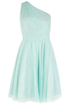With a pleated bodice and full tulle skirt, this prom-style dress is as sweet as it is ladylike.  The Poppy short dress features unique pleat detail that lies beautifully over the one shouldered design accentuating the cinched in waist giving an enviable figure. Keep the soft look by wearing with delicate jewelry.
