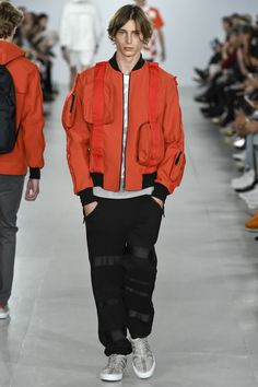 Catwalk photos and all the looks from Christopher Raeburn Spring/Summer 2017 Menswear London Fashion Week