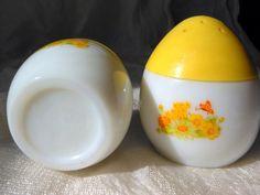 Vintage Avon Egg Shaped Milk Glass Salt and Pepper $11.99 @LootByLouise @Etsy #EasterEgg #milkglass #vintage #saltshaker http://etsy.me/1A6OBwR