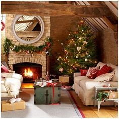 christmas-decorations_viaaquieterstorn.tumblr_viaAndreaGuimBlog.jpg (426×426)