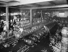 Beer Pictures, Beer Pics, Beer History, Industrial Revolution, Bitter, Brewery, Yorkshire, Barrel, Victoria