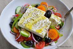 Salata greceasca reteta traditionala   Savori Urbane Feta, Cobb Salad, Salads, Dairy, Bread, Cheese, Salad, Breads, Chopped Salads