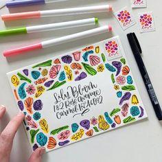 Envelope Lettering, Calligraphy Envelope, Envelope Art, Mail Art Envelopes, Addressing Envelopes, Pen Pal Letters, Camp Letters, Floral Doodle, Karten Diy