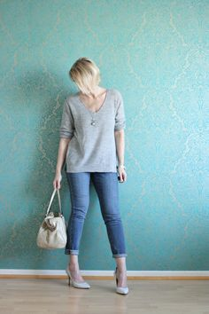 A fashion blog for women over 40 and mature women Sweater: Zara, Jeans: NYDJ Shoes: Pura Lopez, Bag:Bimba y Lola  http://glamupyourlifestyle.blogspot.de/