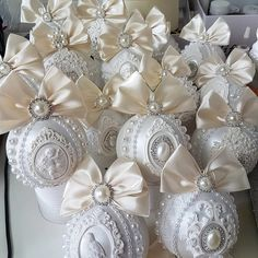 Shabby Chic Christmas Ornaments, Glitter Ornaments, Christmas Baubles, Witch, Bling, Diy, Crafts, Inspiration, Craft