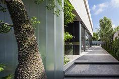 Galeria de Um Corte Concreto / Pitsou Kedem Architects - 38
