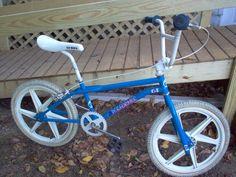 1986 GT Pro Performer - BMXmuseum.com Cycling Art, Cycling Quotes, Cycling Jerseys, Bmx Bandits, Fox Racing Logo, Bike Freestyle, Gt Bikes, Vintage Bmx Bikes, Gt Bmx