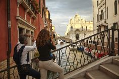 Learn how to take the best pictures of Venice with an expert photographer.