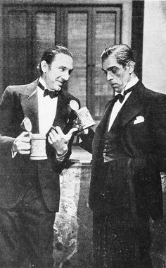 A pair of very dapper Monsters - Horror greats Bela Lugosi and Boris Karloff circa 1932 Classic Hollywood, Old Hollywood, Halloween Diorama, Gothic Horror, Horror Art, Hammer Horror Films, Horror Icons, Famous Monsters, Classic Horror Movies