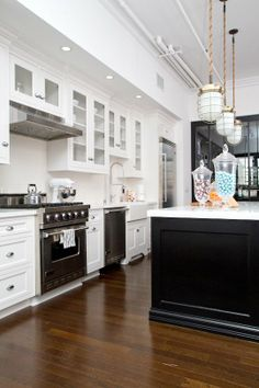 Get the Look:  A Stately Traditional Kitchen   Style & Renovation Resources