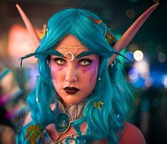 *whistle* Hot. Night elf Druid cosplay