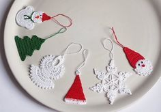 No escaping it...Christmas is almost here! Here's a few more things that caught my eye as last minute projects or just something to put in y...