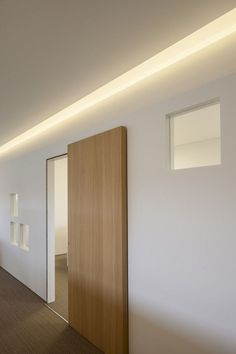 Examples of a beautiful sliding door in the house. What styles are there for sale . - architecture and art Examples of a beautiful sliding door in the house. What styles are there for sale … Design Innovation, Hidden Lighting, Track Lighting, Sliding Door Design, Room Door Design, Plafond Design, Interior Architecture, Interior Design, Modern Interior