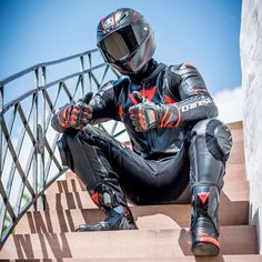 @malthaels Sexy Biker Men, Motorcycle Suit, Biker Gear, Bikers, Black Leather, Instagram, Jackets, Sport, Photos