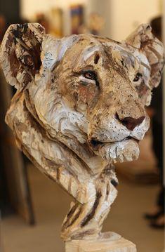 Art Sculpture En Bois, Human Sculpture, Sculpture Ideas, Wood Carving Art, Wood Carvings, Chainsaw Carvings, Wood Creations, Driftwood Art, Driftwood Sculpture