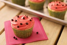 These adorable cupcakes are made with watermelon flavored JELL-O mixed with white cake mix. The decorative topping makes them the sweetest cupcakes ever. Baking Cupcakes, Cupcake Recipes, Cupcake Cakes, Dessert Recipes, Desserts, Cup Cakes, Watermelon Cupcakes, Watermelon Recipes, Watermelon Art
