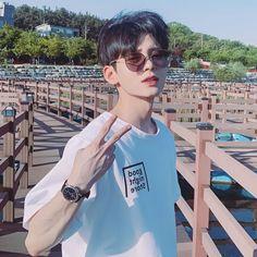 Korean Boys Hot, Korean Boys Ulzzang, Ulzzang Boy, Korean Men, Korean Girl, Cute Asian Guys, Asian Boys, Asian Men, Cute Guys
