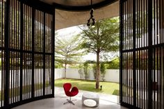 Malaysian Bungalow Turned into a Modern Residence: the Voila House