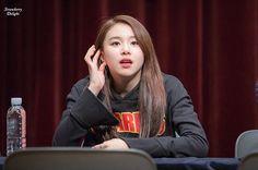 [161211 수원 팬싸인회] I'm so sleepy #chaeyoung #채영 #twice #트와이스 #PrettyRapstarChaeyoung