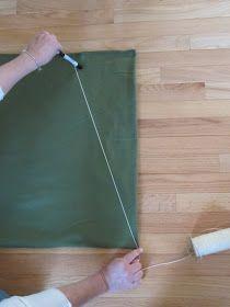 Best no sew tree skirt tutorial using a fleece throw! Diy Christmas Tree Skirt, Family Christmas, Christmas Crafts, Christmas Decorations, Christmas Trees, Xmas, Christmas Ornaments, Skirt Tutorial, Fleece Throw