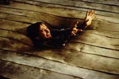 Robin Williams sinks into the floor in a scene from the film 'Jumanji', Get premium, high resolution news photos at Getty Images Jumanji 1995, Jumanji Movie, Fake Photo, Picture Photo, Best Kids Films, Sherlock Holmes, Robin Williams Death, Bad Boys 3, Actor