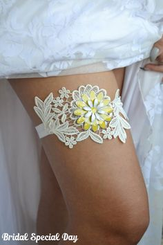 Lace Wedding Garter Yellow Bridal Garter by BridalSpecialDay, Wedding Garter Lace, Lace Garter, Garter Set, Backless Wedding, Summer Wedding, Dream Wedding, Wedding Day, Wedding Poses, Wedding Stuff