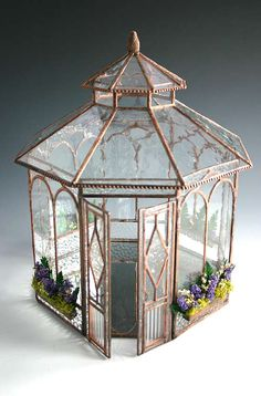 conservatory gazebo ideas Wee Little Houses Stained Glass Crafts, Stained Glass Patterns, Miniature Rooms, Miniature Houses, Miniature Greenhouse, Glass Terrarium, Terrariums, Fairy Terrarium, Decoration Inspiration