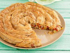 Με πιπεριές φτιάχνεται μια πεντανόστιμη και άκρως καλοκαιρινή πίτα που θα σας ενθουσιάσει με τη γεύση και τα αρώματά της.