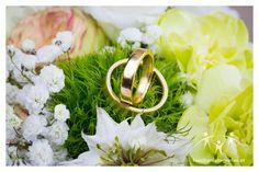 Hochzeitsfotograf in Wien und Niederösterreich Wedding Rings, Engagement Rings, Wedding Photography, Photographers, Getting Married, Enagement Rings, Commitment Rings, Pave Engagement Rings, Wedding Ring