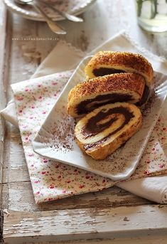 Roulade with chocolate cream diet Recipe Folder, Diet Desserts, Dukan Diet, My Dessert, Chocolate Cream, Cooking Time, Ricotta, Sweet Treats, Biscuit