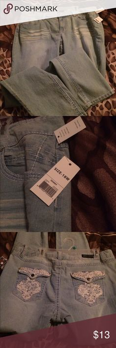 Plus Size Skinny Jeans! Size 18w ! Cute, fashionable & inexpensive ! Jeans Skinny