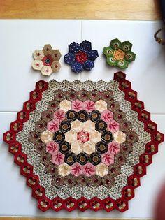Ramblings of a quilter: Enjoying Making Hexagons!