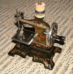 Little Beauty Antique Toy Sewing Machine German | eBay