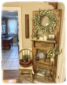 Country Cottage Living, Cottage Style Decor, Country Farmhouse Decor, Shabby Chic Cottage, Primitive Living Room, Primitive Homes, Barn House Decor, Landing Decor, Diy Wooden Projects