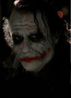 Heath Ledger Why did the legend behind the master clown have to die? Le Joker Batman, Joker Heath, Joker Art, Batman Comics, Joker And Harley, Harley Quinn, Heath Legder, Dc Comics, Joker 3d Wallpaper